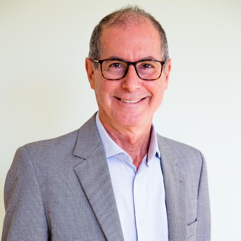 Osvaldo Cassiano - Sócio Fundador e Consultor da Limiaris Consultoria e Desenvolvimento Humano